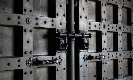 La porte blindée pour réduire le risque d'effraction