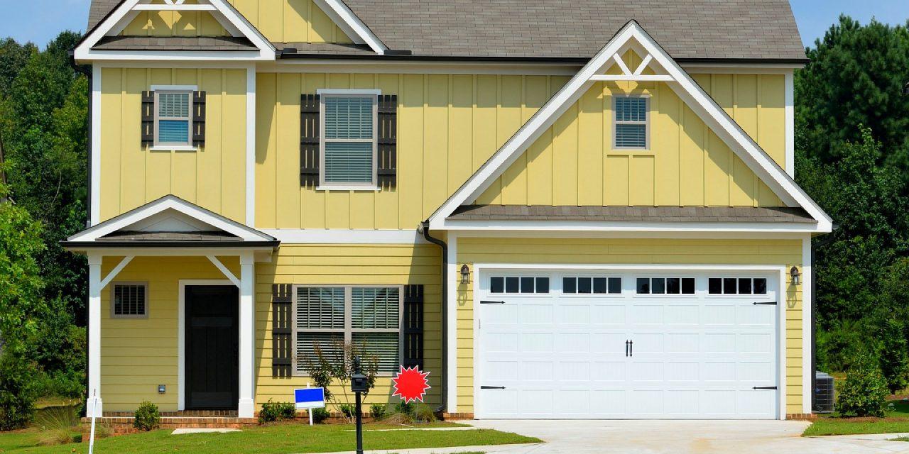 Guide d'achat : comment choisir sa porte de garage?
