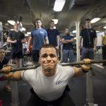 Maintien de la densité osseuse : Yoga vs haltérophilie